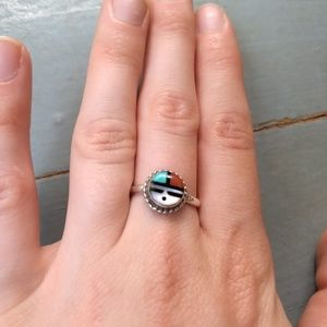 Vintage native American turquoise and shell ring